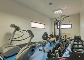 O mini sala de fitness ultra moderna in incinta centrului SPA doar pentru tine