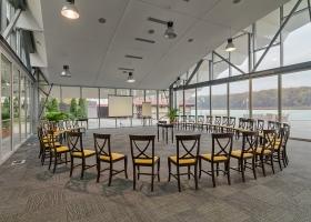 Pavilionul amenajat pentru conferințe