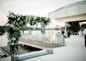 Arcada cu flori intrare