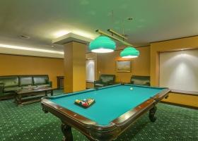 Fi ce mai bun jucator de billiard in Salonul pentru jocuri